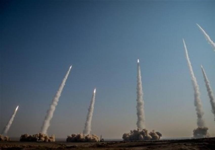 Irán prueba misiles balísticos y drones en amplias maniobras militares