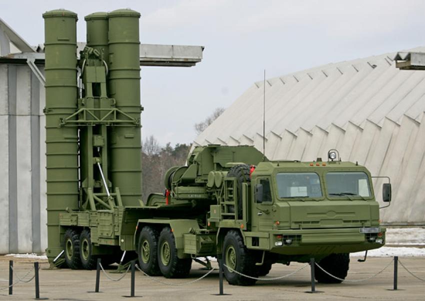 Los misiles rusos S-400 llegan a Turquía en medio de la disputa con EEUU