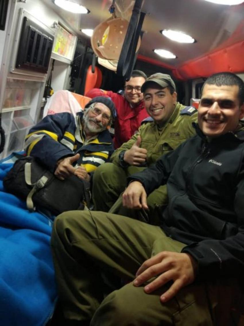 La Marina israelí rescata a un francés que llevaba semanas a la deriva.