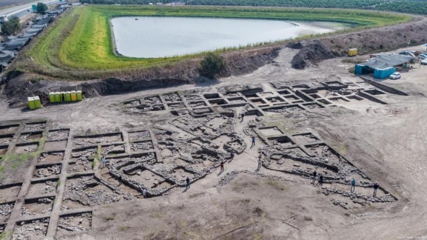 Arqueólogos israelíes descubren una ciudad cananea de hace 5.000 años