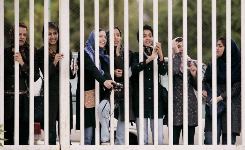 Una joven iraní se inmoló tras ser detenida por entrar a un estadio